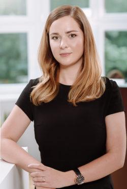 Karolina Olanin, aplikant adwokacki